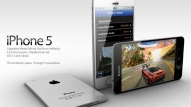 Iphone5,accompagnato da Ipad 2s e 3