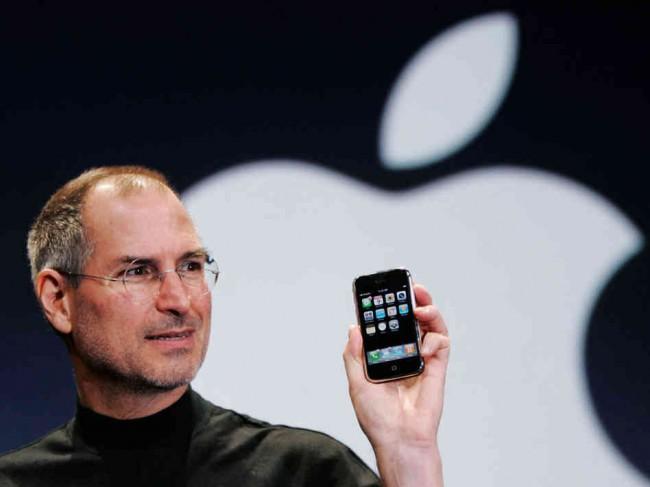 9 gennaio 2007 - Steve Jobs presenta iPhone