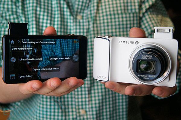 Samsung Galaxy Camera: cominciato il rilascio di Android 4.1.2