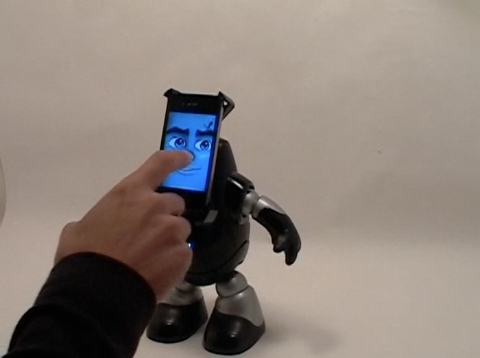 Tim-E: robottino dock per Iphone