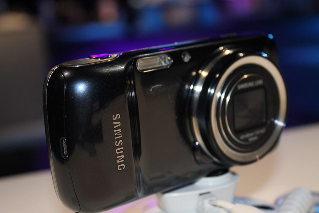Galaxy S4 Zoom: probabile messa in commercio dall'8 Luglio in UK