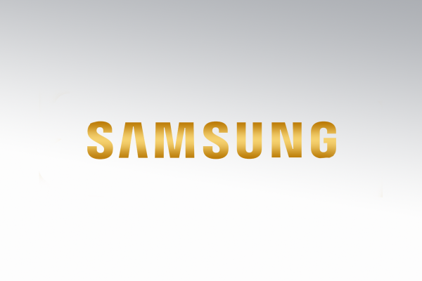Samsung lancia lo smartphone color oro