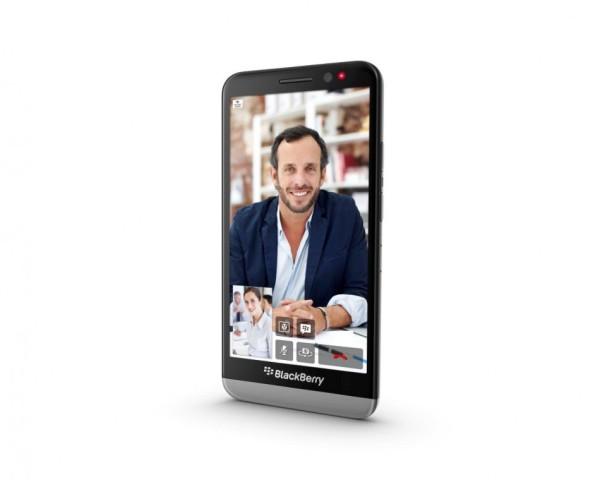 BlackBerry Z30: debutto in Italia