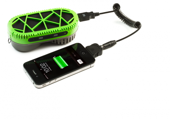 Arriva il caricabatterie per iPhone ad acqua !