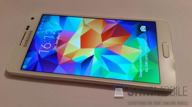 Samsung Galaxy A5: ecco le sue prime foto dal vivo