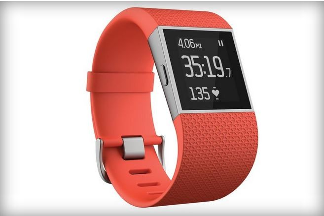 FitBit ufficializza i suoi 3 nuovi Wearable:Surge,Charge HR e Charge