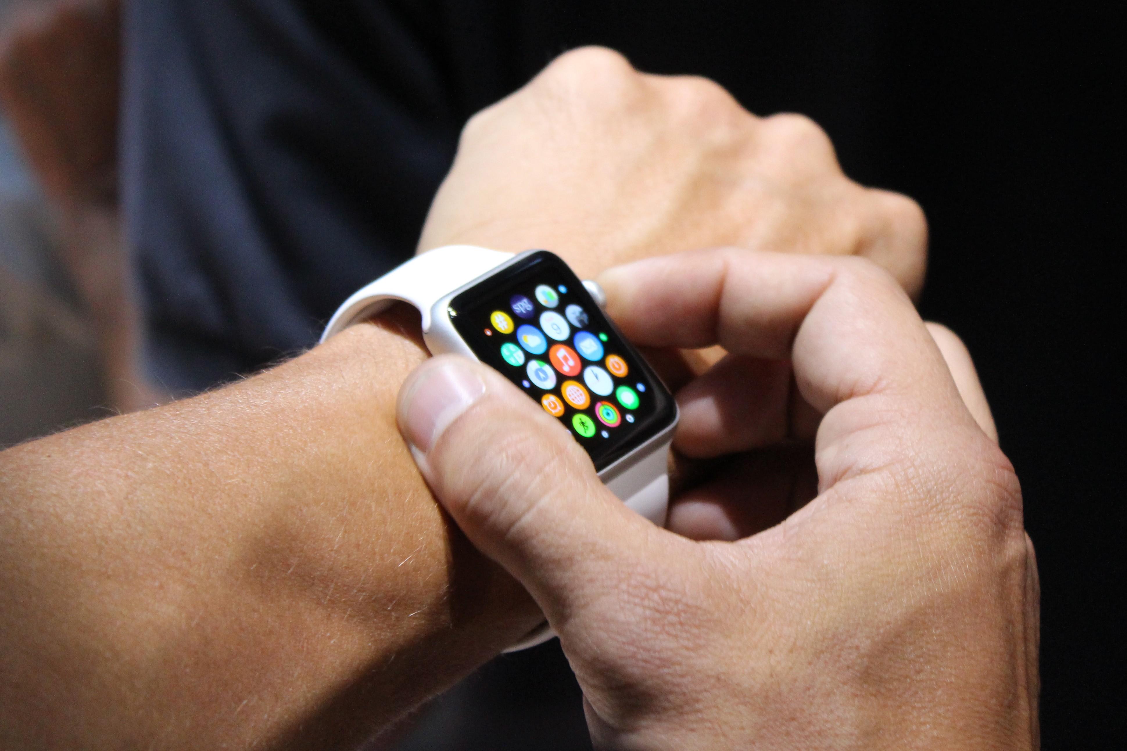 Apple Watch, la nuova app ufficiale su iOS 8.2