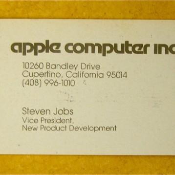 Venduti per 10.000 dollari tre biglietti da visita di Steve Jobs