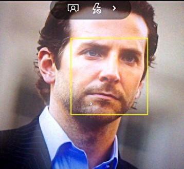 Microsoft, supporto tracking del viso sulla fotocamera nativa di Windows 10 Mobile