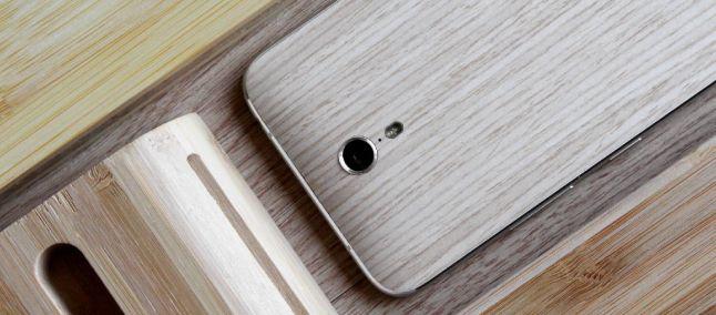 Zuk lavora su uno smartphone compatto con display HD e Helio P10