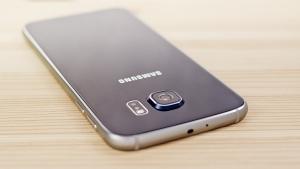 Samsung Galaxy S6 prezzo scende sotto i 400 euro: è meglio acquistare Galaxy S7?