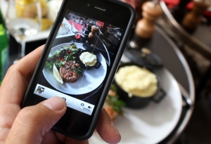 Calcolare le calorie del cibo fotografandolo? Forse in futuro