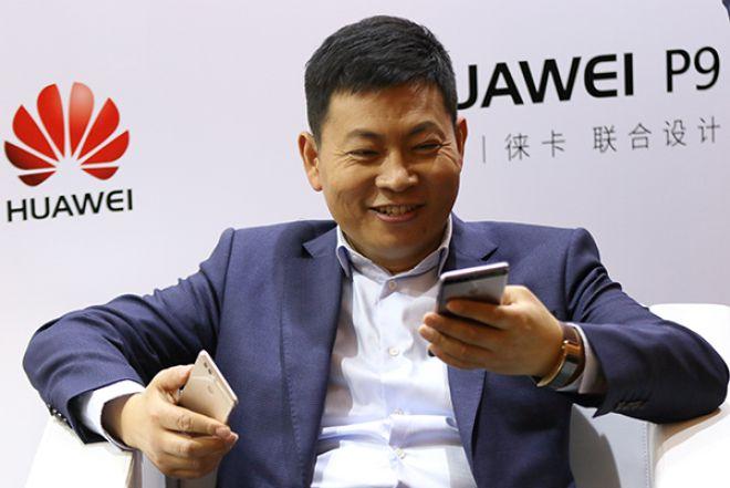 Huawei rivede le sue stime di vendita per il 2016