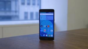 Aggiornamento di OnePlus 3 ad OxygenOS 3.2 sospeso
