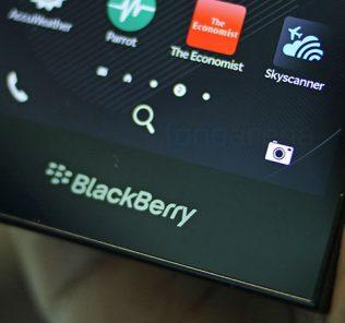 BlackBerry DTEK60: prime immagini e caratteristiche