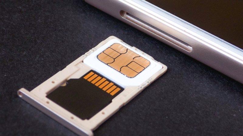Come copiare contatti da iPhone a SIM
