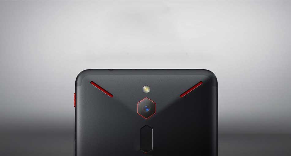 Red Magic 4 display da 144hz
