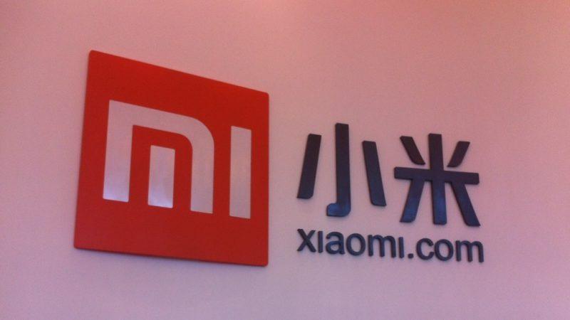 xiaomi smartphone con sette fotocamere pop-up
